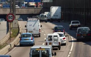 改善空气污染 法国首限汽车尾气排放