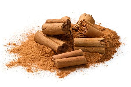 肉桂具有强大的抗氧化和抗发炎效果,也有助于平衡血糖,且能方便的掺入饮料、甚至是食品之中加以摄取。(图片来源:Fotolia)