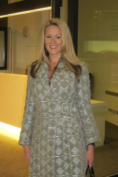 化妝師Jodia Lynn她認為神韻演出的服裝很美妙。(攝影:何天成/大紀元)