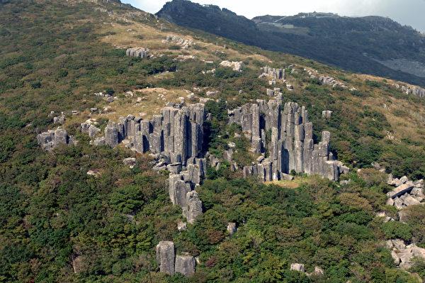 代表無等山的絕景之一的石柱子--「立石帶」 (圖: 光州市廳提供)