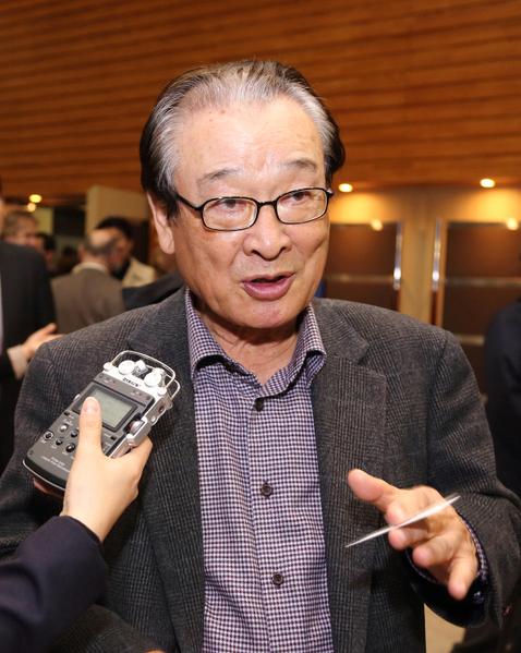 韓國著名演員李順載( Sun-jae Lee),4月16日晚觀看了美國神韻巡迴藝術團在韓國首爾祥明藝術中心的最後一場(第三場)演出。(攝影: 全宇/大紀元)