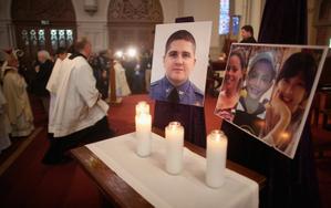 波士顿今日举行默哀 爆炸案嫌犯开始回答警方询问