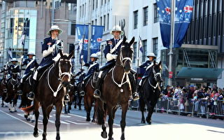悉尼澳纽军团日允万人游行 五千人参加仪式