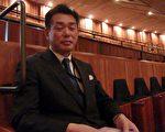 日本政府機關工作的公務員吉岡正明先生表示說,文化大革命中很多傳統東西被破壞。但是神韻傳達了中國文化中的敬天知命的精神。(攝影:肖蕾/大紀元)