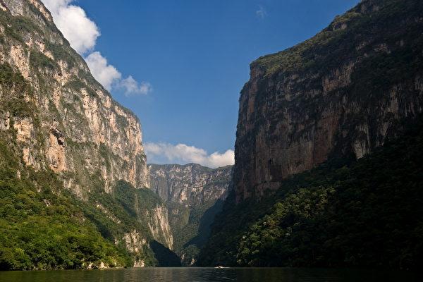 组图:墨西哥苏米德罗峡谷壮丽风光