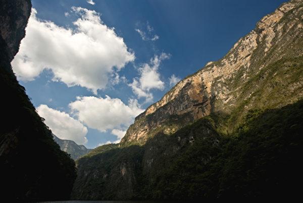 苏米德罗大峡谷悬崖陡峭。(Ronaldo Schemidt/AFP)