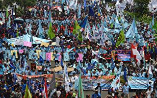 全球各地劳动节大游行  平日工作应慎防过劳