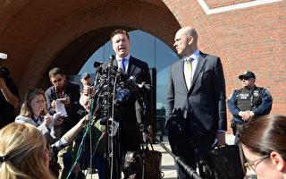 週三,奧巴馬政府承認被控幫助波士頓爆炸案嫌犯焦哈爾(Dzhokhar Tsarnaev)藏匿證據的哈薩克斯坦學生塔扎亞可夫(Azamat Tazhayakov)在今年1月學生簽證失效的情況下被允許回到美國。(Darren McCollester/Getty Images)