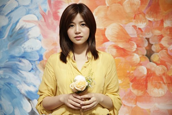 陳妍希確定飾演鄧麗君 6個字深情告白陳曉