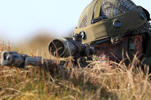 子弹3秒飞2.4公里 英狙击手一枪击毙IS分子