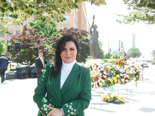 烏克蘭Crimean Tatar自治政府(註:屬下有30萬成員)駐美代表Ayla Bakkalli女士在接受大紀元採訪中表示 「一旦中國人的思想中感受到自由的時候,那麼你永遠都不會回頭。」 「我相信美麗勤奮的中國人民擁有內在的力量,堅定的(perseverance)走向自由。」她表示,美國和世界應該對此作好準備。(攝影:李辰/大紀元)