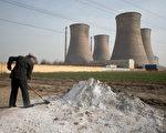 中国大陆土壤污染日趋严重,全国耕地的1/6,约2,000万公顷耕地被重金属污染,绝大部分农产品重金属含量超标。图为河北邢台。(ED Jones / AFP)