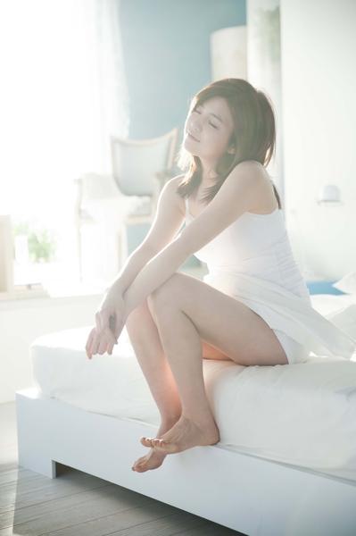 陈妍希为知名女性用品品牌拍摄广告。(图/P&G提供)