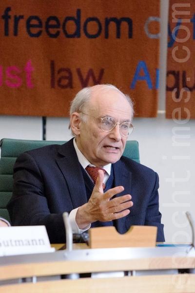 著名人权律师大卫•麦塔斯(David Matas)在会上发言。(摄影:Simon Gross/大纪元)