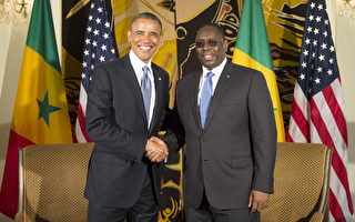 奥巴马抵达塞内加尔展开非洲访问