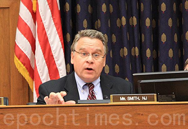 美國資深國會眾議員克里斯‧史密斯(Chris Smith) (攝影﹕文忠/大紀元)