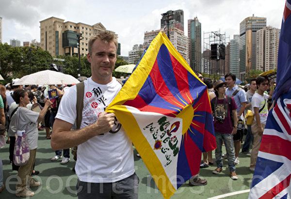 2013年香港七一大游行,香港市民、团体以至来自大陆的民众和冤民,都上街表达诉求。(摄影:余钢/大纪元)