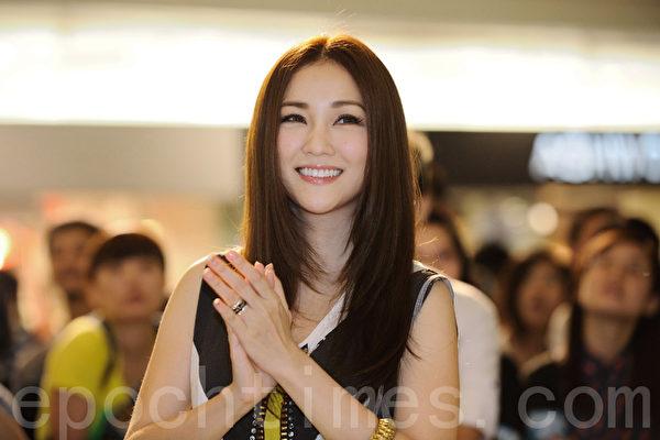 謝安琪出席新節目記者會。(攝影:宋祥龍/大紀元)