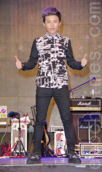 小宇表示雖然音樂會投入很多,還是希望歌迷要小心,安全第一。(攝影:黃宗茂/大紀元)