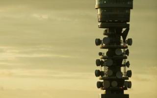 威廉与凯特的第1个王室宝宝一旦出生,伦敦的英国电塔(图)将立即以LED萤幕跑马灯,宣布喜讯。(Leon Neal / AFP)