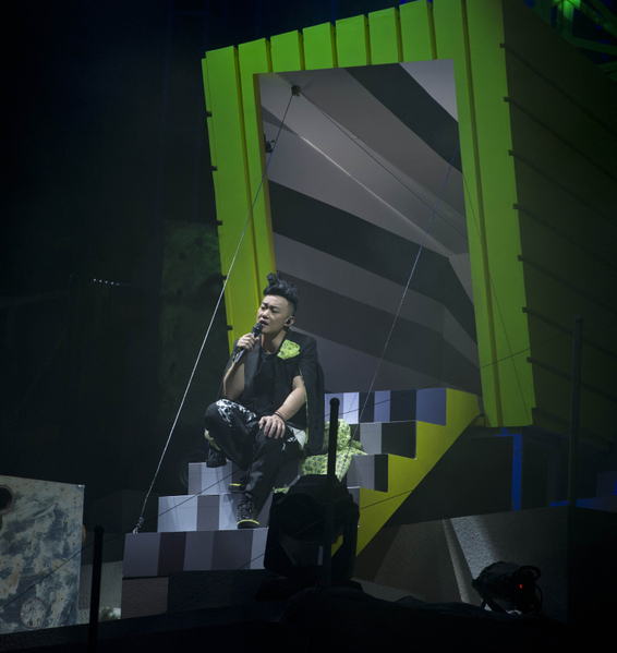 Eason陈奕迅日前(27日)在香港红馆开唱。(图/环球唱片提供)
