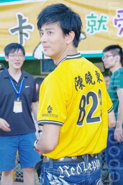 陈晓东对于台湾天母棒球场并不陌生,曾在2000年来到此地拍摄MV。(摄影:黄宗茂/大纪元)