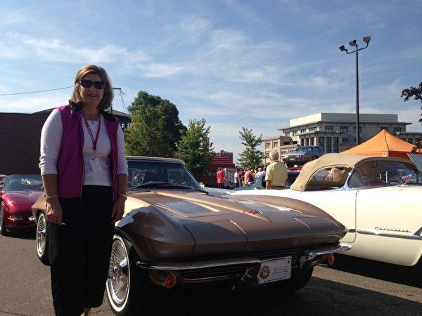 Kathleen說她們全家動手,修復了這輛1963年產的Corvette(林慧心/大紀元)