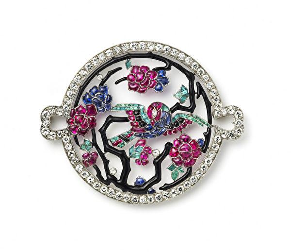 """英国顶级珠宝商  Hancocks将在""""香港珠宝首饰展销会""""(Hong Kong Jewellery & Gem Fair)上展出的,法国珠宝商Frères Lacloche1930出品的圆形多宝石胸针。(Hancocks提供)"""