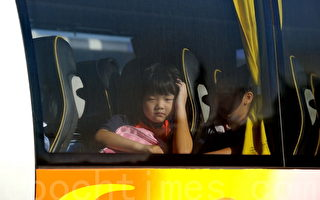 組圖:兩萬跨境童香港上學 過關苦樂
