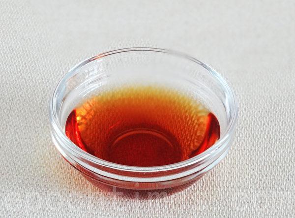 紹興酒1.5碗(攝影:林秀霞 / 大紀元)
