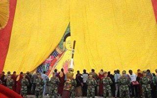 震驚組圖:拉薩如監獄 旅美藏人被重重軍警驚到