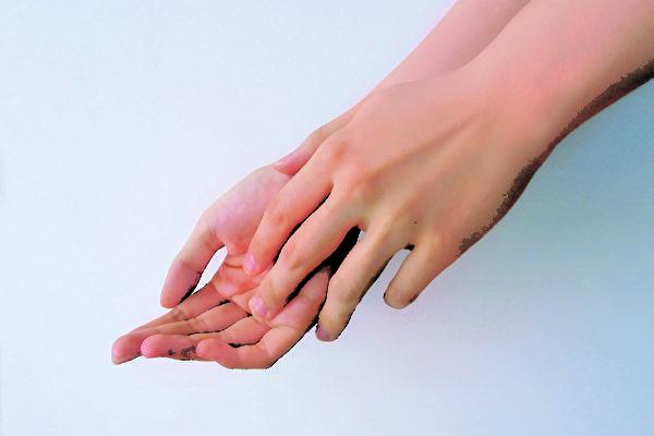 主婦手乾裂?醫生推薦主婦手專用護手霜膚潤康