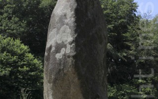 布列塔尼之旅 探訪神秘的史前巨石Menhir