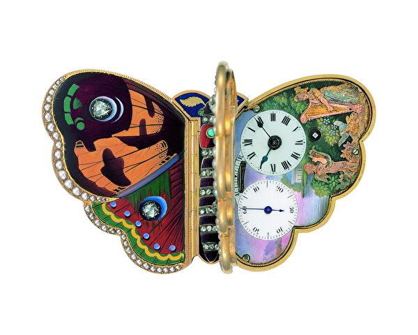 1820年的工藝「蝴蝶」集顯示時間和音樂盒功用為一體,鑲嵌珍珠和寶石。(攝影:黃芩/大紀元)