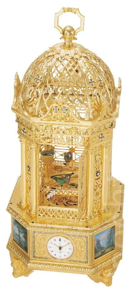 百達翡麗著名的經典座鐘 (攝影:黃芩/大紀元)