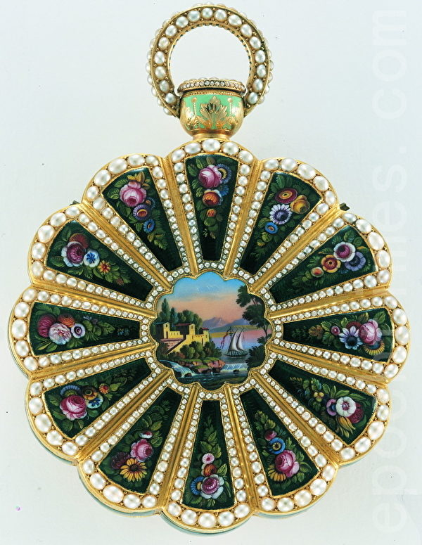 老總裁菲力•斯登收藏的中國懷錶 (商家提供)