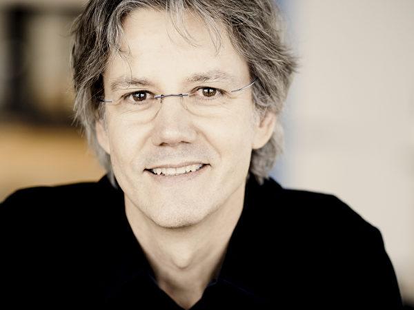瑞士国宝作曲家穆勒。(图:台湾弦乐团提供)