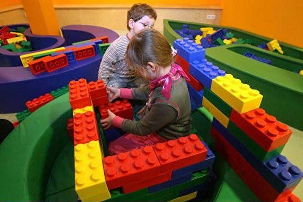 研究:搭积木搭出孩子数学能力