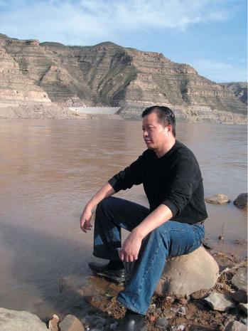 北京著名维权律师高智晟三次公开上书中共最高当局,以《必须立即停止灭绝我们民族良知和道德的野蛮行径》为题,呼吁立即停止迫害法轮功。(大纪元)