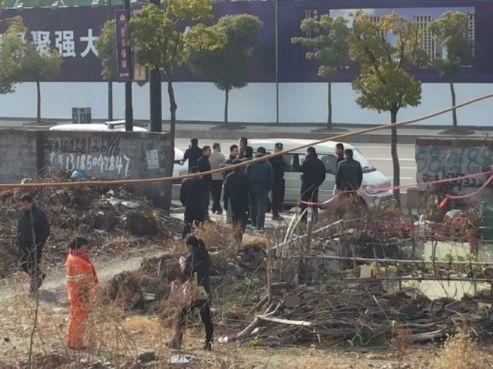 1月9日早上9点30分,浙江杭州维权人士梁丽婉遭到杭州市江干区公安分局笕桥派出所传唤。(访民提供)