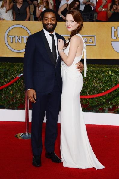《为奴十二年》男主角切瓦托•埃加福与女友萨莉 (Ethan Miller/Getty Images)