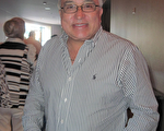 Manuel Puerto是一位西班牙裔音樂家、有自己的樂團,自己是樂團的總監也是知名指揮。他對神韻樂團推崇備至。(秦紫寰/大紀元)