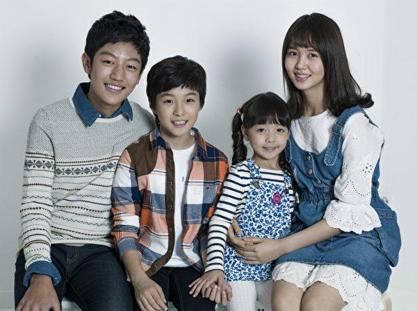 四位童星在超完美褓姆演出超抢眼。(卫视中文台提供)