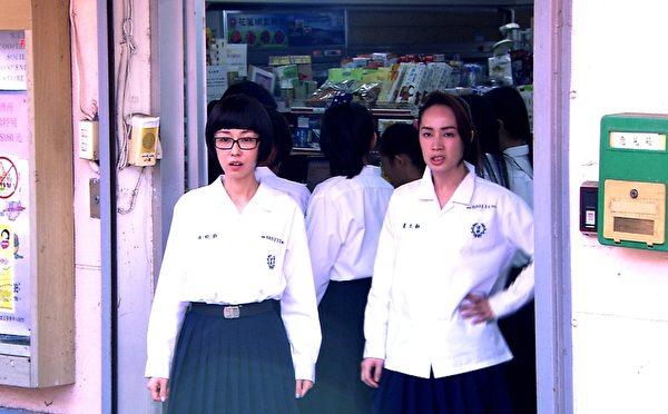 李维维、小薰在剧中扮成学生妹(三立提供)