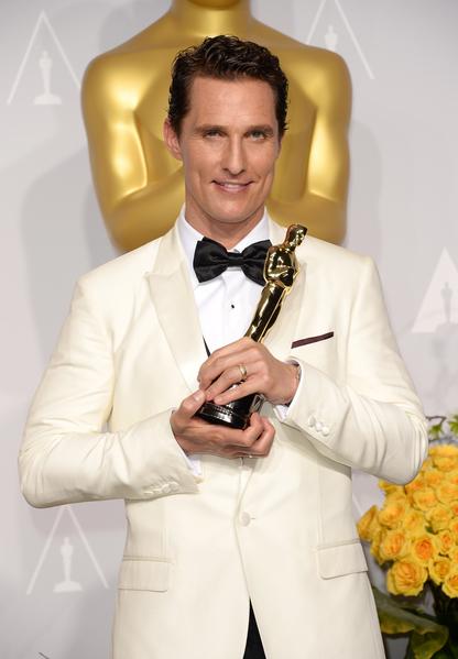 马修•麦康瑙希凭借《达拉斯买家&#20465乐部》摘得第86届奥斯卡影帝桂冠。(Jason Merritt/Getty Images)