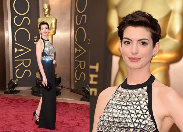 安妮•海瑟薇以Gucci黑色镶钻礼服秀出美背。(大纪元合成图/Getty Images)