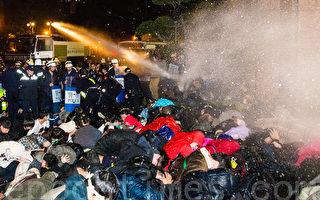 台灣學生抗議擴大 外媒:馬執政最大考驗