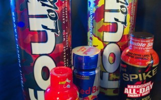 研究:能量饮料恐伤青少年精神健康