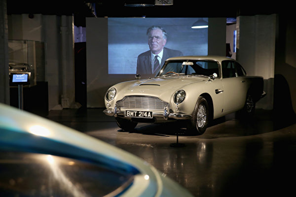 曾在《黃金眼》和《明日帝國》中兩度出現的Aston Martin DB5。(Chris Jackson/Getty Images for London Film Museum)