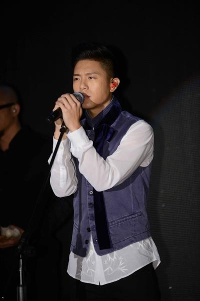 韋禮安演唱專輯新歌《江郎》、《沈船》、《在你身邊》等四首組曲。(福茂提供)